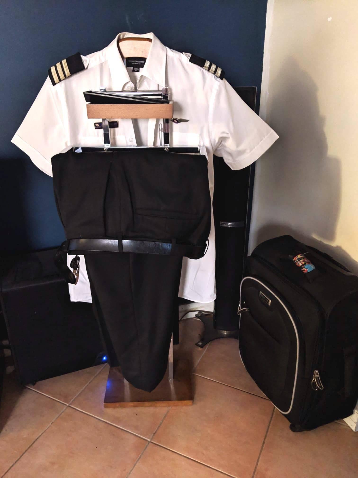 clothing valet pilot gift ideas